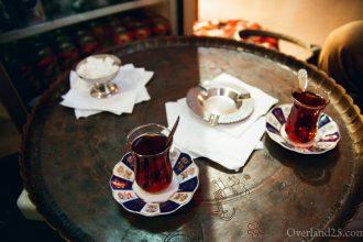 トルコ旅行記:絨毯屋のリンゴのチャイ(イスタンブール)