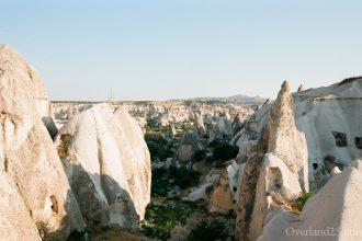 トルコ旅行記:カッパドキア観光。ギョレメ屋外博物館、エセンテペの絶景、崖の上の人たち。