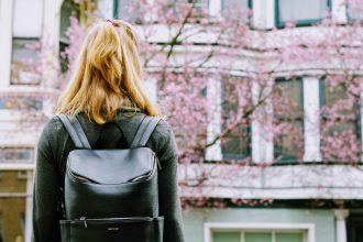 【口コミ10選】大人女子のおすすめ旅行リュックを聞きました!人気ブランド、一人旅、ファミリー向けなど。